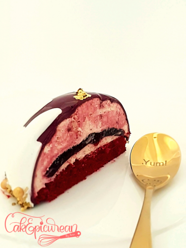 Qatar National Day Mirror Glaze Entremet