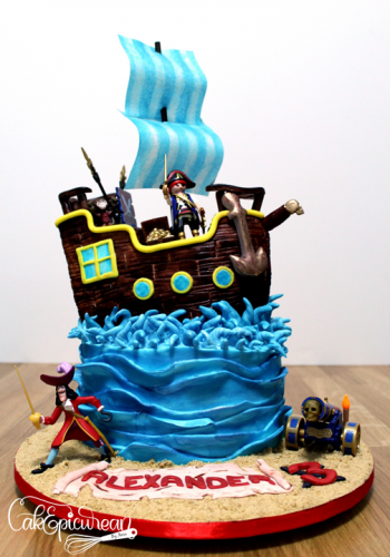 Pirate Boat Cake1