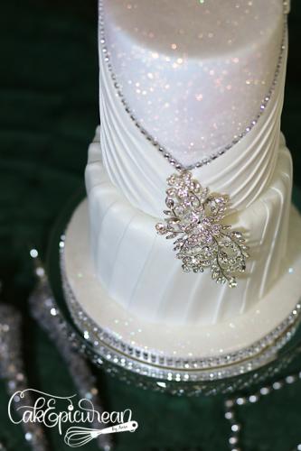Wedding_Cake_WhiteQueen2