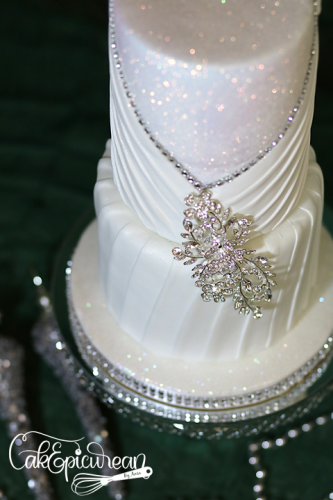 Wedding_Cake_WhiteQueen2